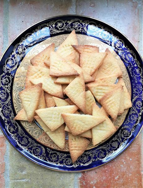 Sablés triangulaires aux amandes et à la vanille