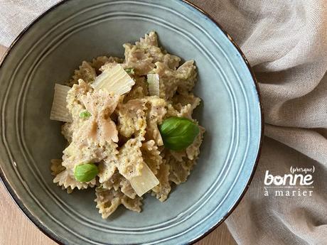 Pâtes sauce crémeuse aux courgettes, échalotes et basilic