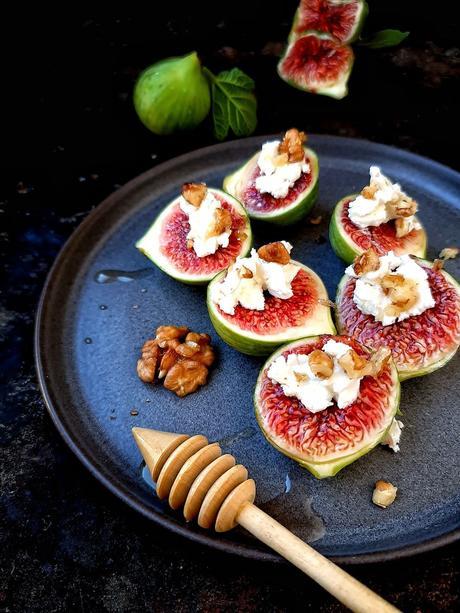 Bouchées de figues au chèvre, aux noix et au miel