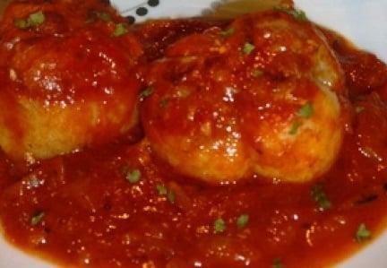 Paupiettes de porc à la sauce tomate