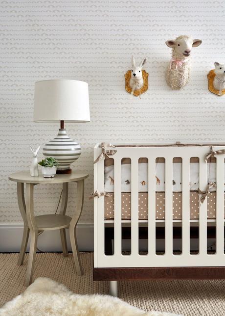 chambre bébé déco tons crèmes beiges nuance