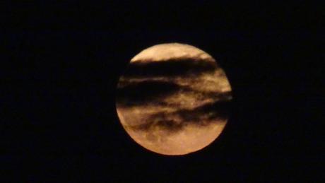 Une lune façon halloween
