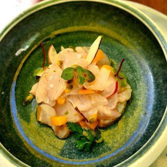 Ceviche de bar mariné fruits exptiques