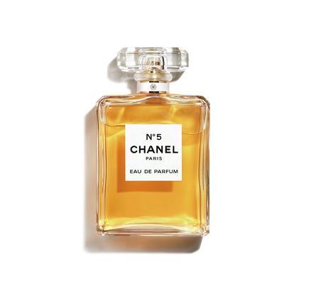N°5 de Chanel, un parfum qui a traversé les époques et les modes.