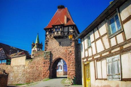 Portes fortifiées d'Alsace - Tour des Sorcières à Châtenois © French Moments
