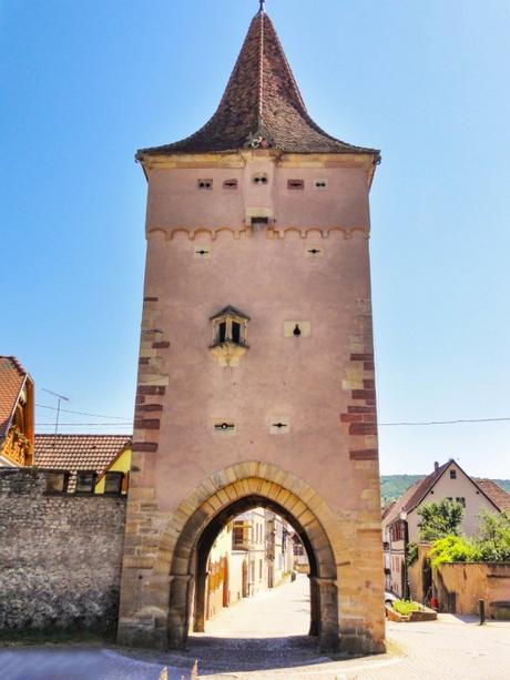 Portes fortifiées d'Alsace - Porte du Lion à Rosheim © Ralph Hammann - licence [CC BY-SA 4.0] from Wikimedia Commons
