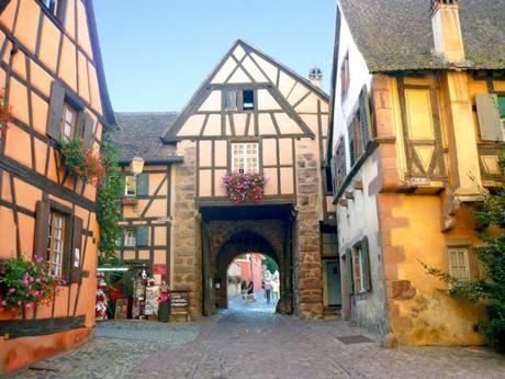 Portes Fortifiées en Alsace - Riquewihr © French Moments