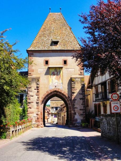 Portes fortifiées d'Alsace - Porte Haute de Bœrsch © Ralph Hammann - licence [CC BY-SA 4.0] from Wikimedia Commons