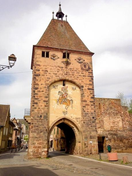 Portes fortifiées d'Alsace - Mutzig - Porte de Strasbourg © Ralph Hammann - licence [CC BY-SA 4.0] from Wikimedia Commons