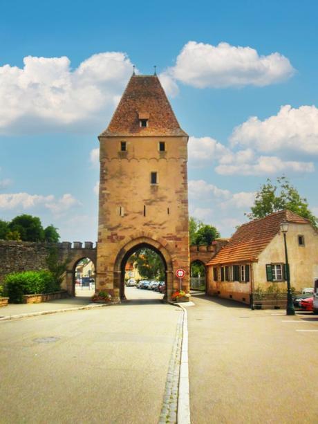 Portes fortifiées d'Alsace - Niedertor à Rosheim © French Moments