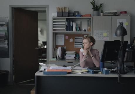 [CRITIQUE] : The Assistant