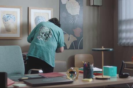 DEMAIN NOUS APPARTIENT : la blouse avec tête de mort de Mona dans l'épisode 1020