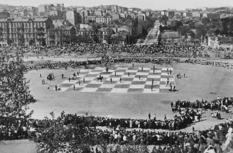 Pourquoi une partie d'échecs jouée en 1924 est rentrée dans l'histoire ?