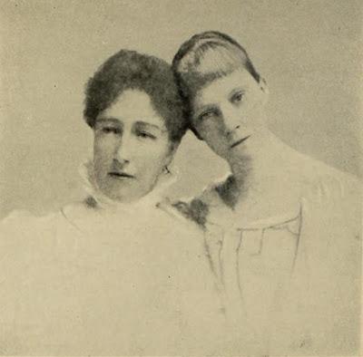 La veuve et l'orpheline — Les archiduchesses Stéphanie et Elisabeth après le drame de Mayerling