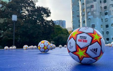 Plus de 2200 ballons signés Messi distribués en Île-de-France