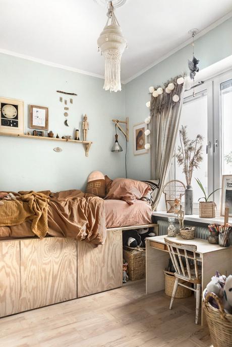 idée déco intérieure chambre naturelle bois linge de lit marron herbes de la pampa