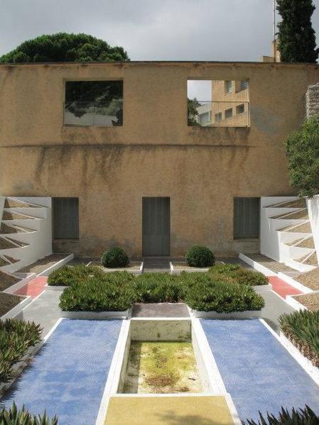 la villa noailles hy res paperblog. Black Bedroom Furniture Sets. Home Design Ideas